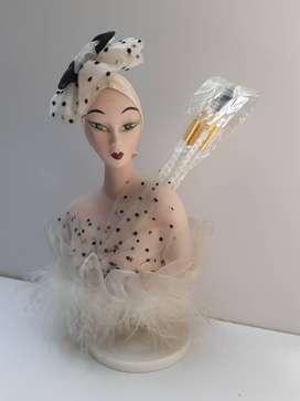 Caja Musical Busto Mujer Cerámica con Cepillos para Maquillaje