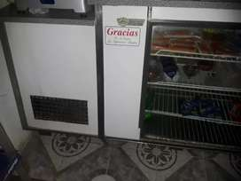 Vendo heladera mostrador en perfecto estado y funcionamiento se está usando