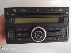 Radio Nissan Versa original. Bluetooth
