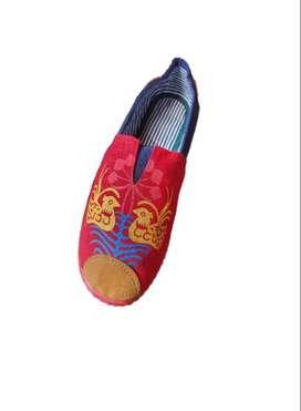 zapatillas suela roja con patos fondo rojo con envio gratuito