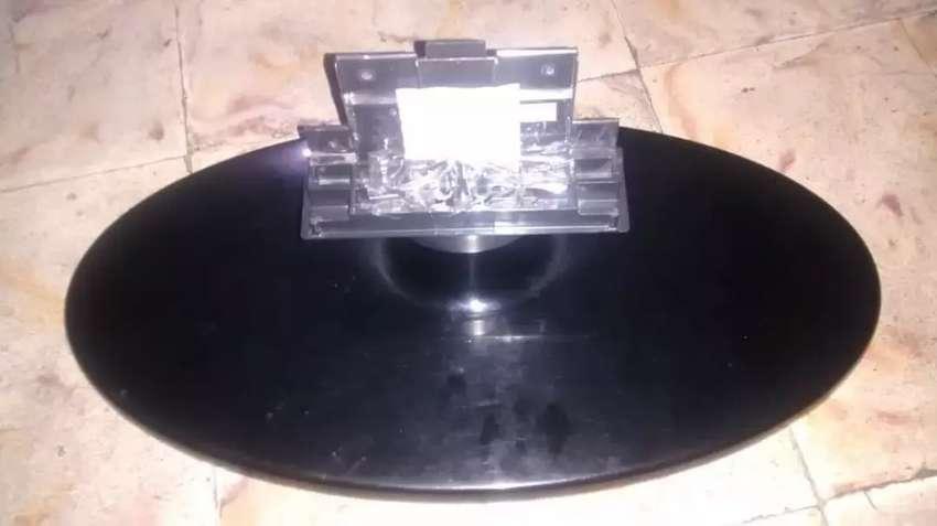Base de mesa tv samsung ln32c400e4