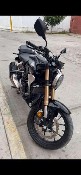 VENDO MOTO HONDA CB 300R