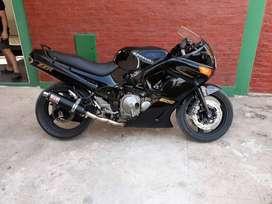 Kawasaki zzr 600cc japón