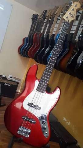 Bajo Fender Squier 4 cuerdas