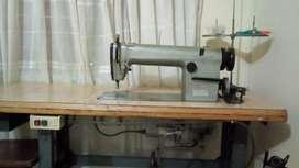 Maquina de coser  plana por $400.000