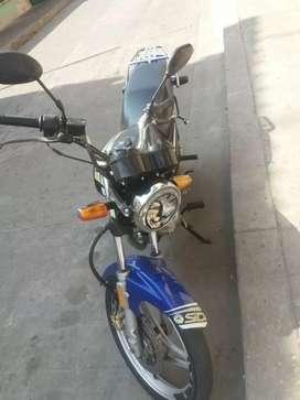Vendo moto yamaha yb 2011