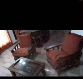 Juego de sillón y mesita