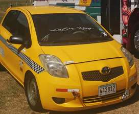 Vendo Yaris, motor 1500, perfecto estado, A/A vent eléctricas, espirales RACING, nunca chocado, NEGOCIABLE!
