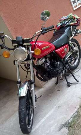 Se vende moto, $1000 negociable