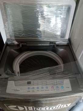 Lavadora Electrolux de 28 libras