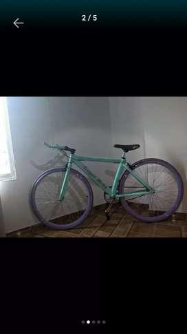 Bicicleta fixie excelente estado solo 8 días de uso