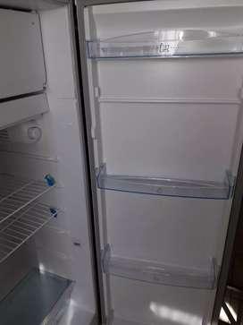 Heladera Mabe con Congelador