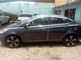 Vendo auto en perfectas condiciones color plomo rata  sin chokes y papeles en regla