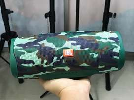 Parlantw JBL charge 4