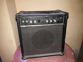 Amplificador para guitarra, etc.