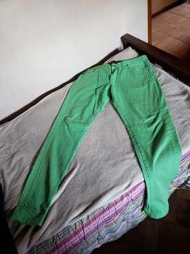 Jeans Verde Rótula