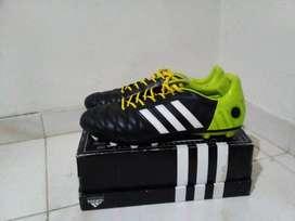 guayos Adidas 11pro nova TRX FG