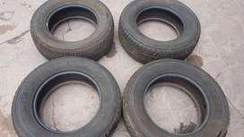 Llantas  Dunlop   Seminuevas 4  Llantas