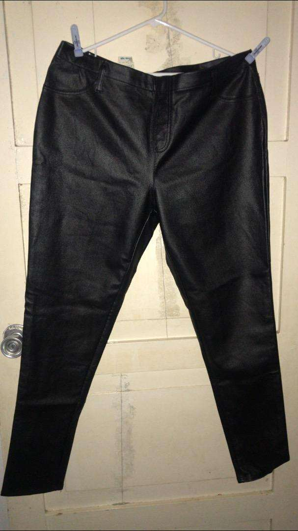 Pantalon Cuero Nuevo 0