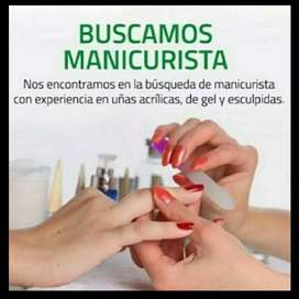 Manicurista experta en acrilico