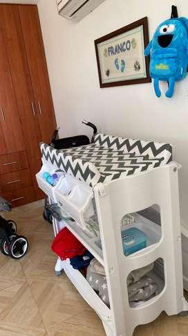 Tina para bebé con cambiador únicamente en Neiva