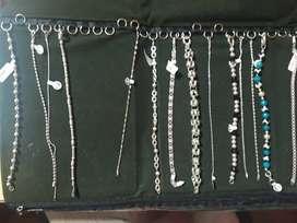 Vendo pulseras de plata y acero