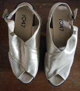 Zapatos dorados. Talle 38