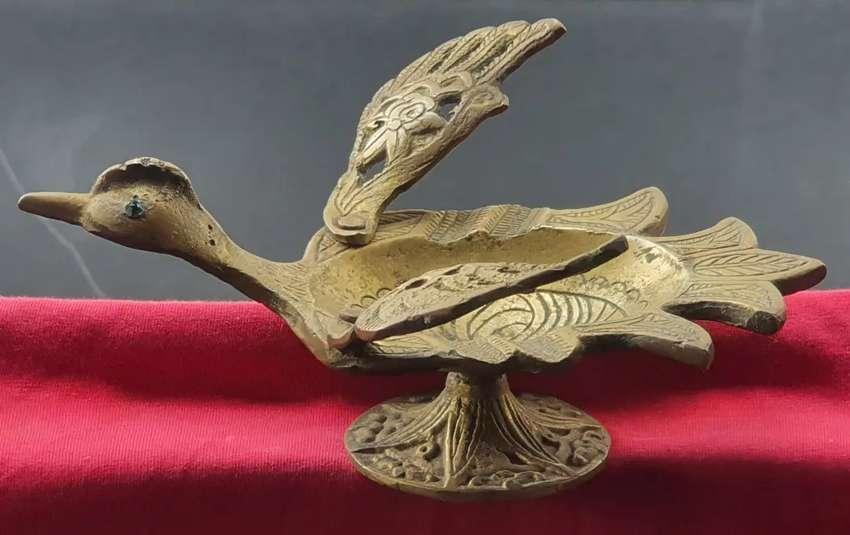 Figura Cenicero en bronce (ave)