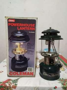 Linterna Coleman a gasolina