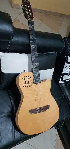 Guitarra godin acs sa edición arce
