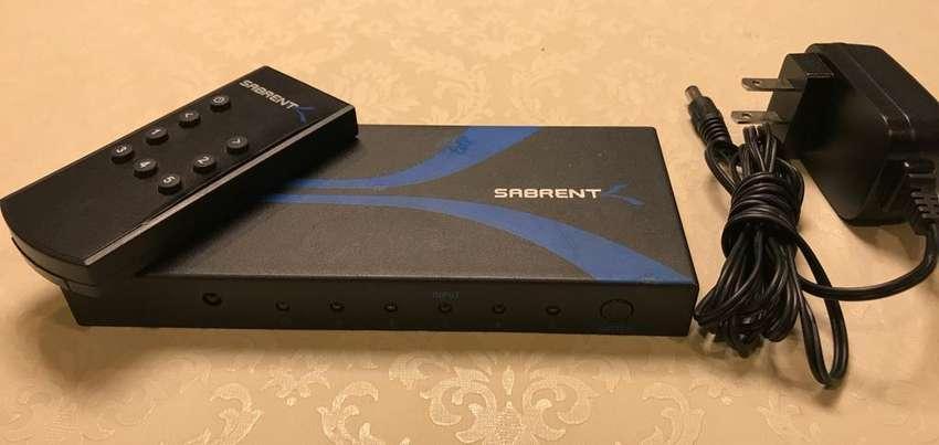 Switch de 5 puertos HDMI full HD soporta 3D contro remoto SABRENT 0