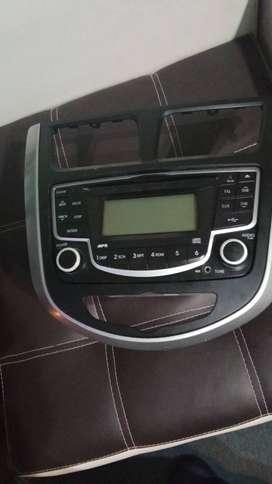 Vendo y Mascarilla original del Hyundai Accent 2013