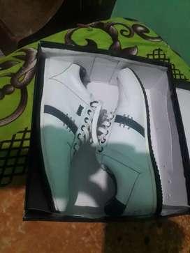 Vendo zapatillas Bando