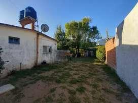 Venta dos casas solas sobre gran lote de 400m2, con gas natural y cloacas conectadas. En Santa Teresita.