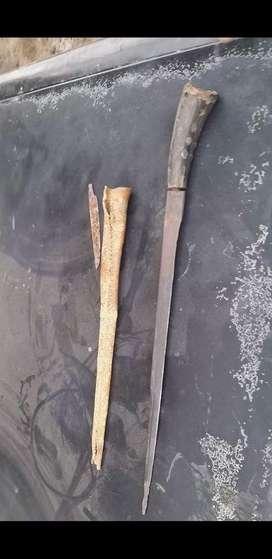 vendo cuchillo antiguo 200 años de antiguedad aprox.