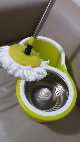 Balde con mango centrifugo