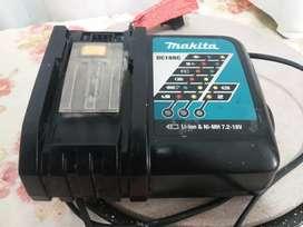 Cargador de bateria makita