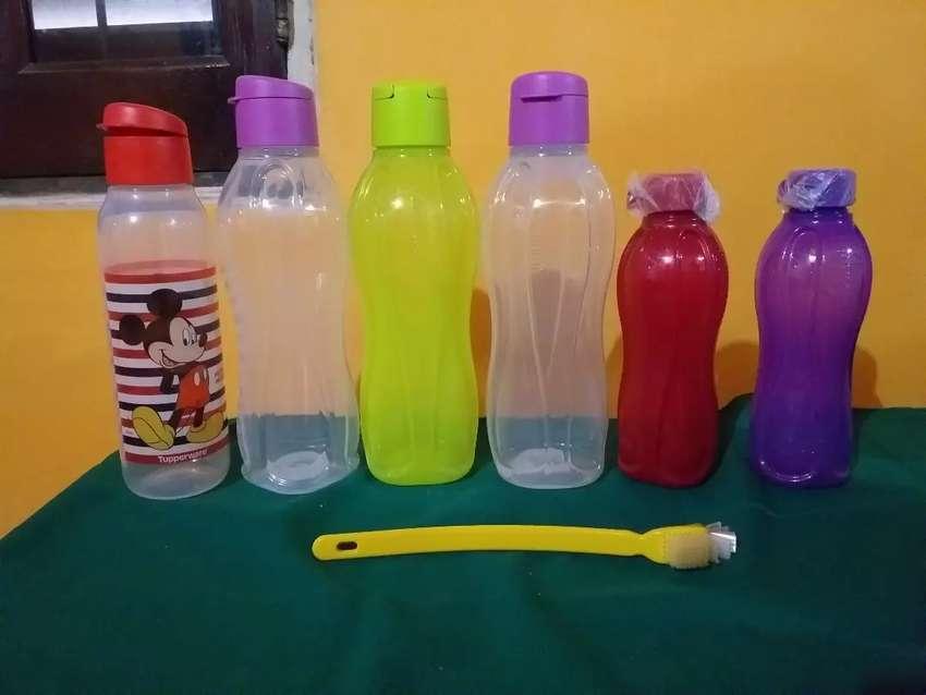 Botellas tupperware nuevas 0