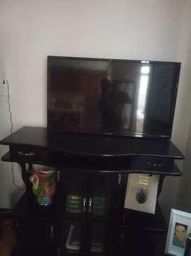 Se vende televisor.