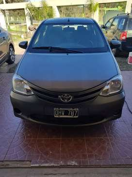Vendo Toyota Etios sedan Xs 1.5