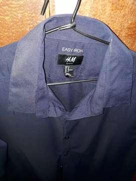 Camisa importada H&M.