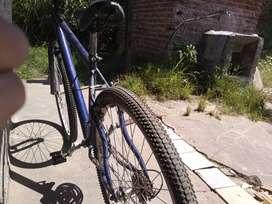 Vendo bicicleta kenneth rodado 29.  2 meses de uso