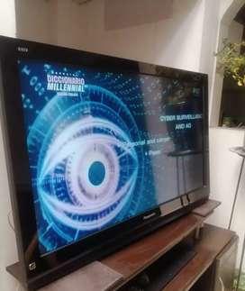 Hermoso tv panasonic + soporte