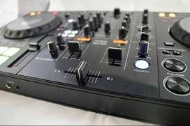 Controlador Pioneer DDJ-800 2 canales Pantallas en jogs Music Box