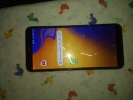 Celular j4