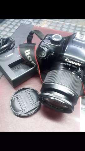 Remato hoy impecable   cámara CANON  RABEL EOS REFLEX  DIGITAL T3 objetivo EF-S