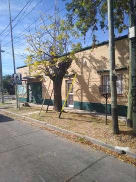 VENDE en Berazategui - Casa / Local Comercial / Lote baldío -