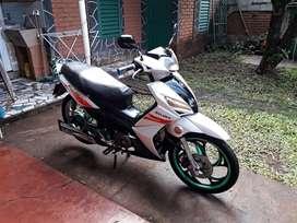 Vendo moto Gilera Smash RR 125 cc, papeles al día y vtv