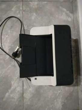 Impresoras HP 2135 y brother blanco y negro