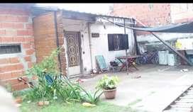 Casa. Interna independiente en zona de mendoza y donado
